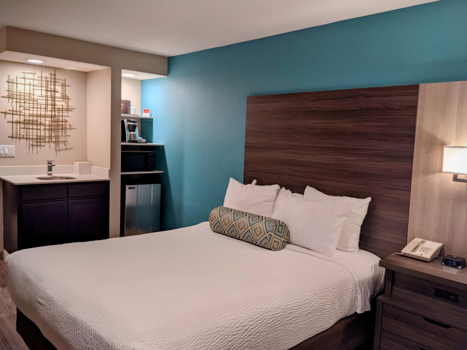Yosemite Southgate - All of our rooms feature microwave, fridge, and coffeemaker