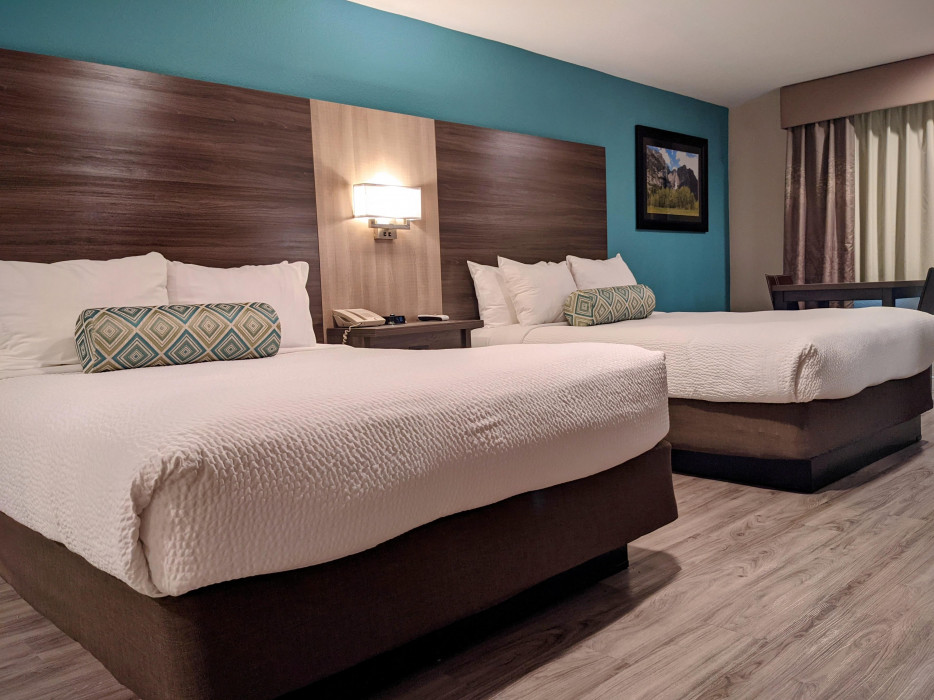 Yosemite Southgate - Comfortable Queen Beds Perfect for Groups