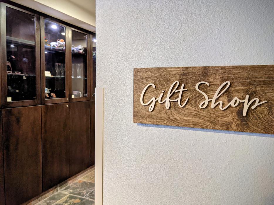 Yosemite Southgate - Gift Shop at Yosemite Southgate Hotel