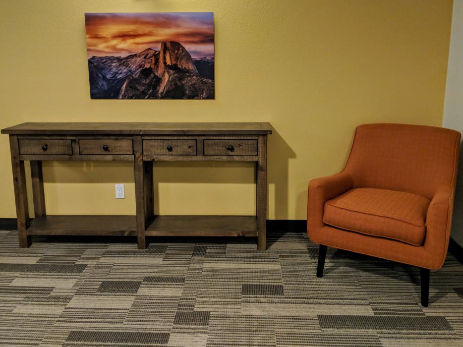 Yosemite Southgate - Hallway Seating