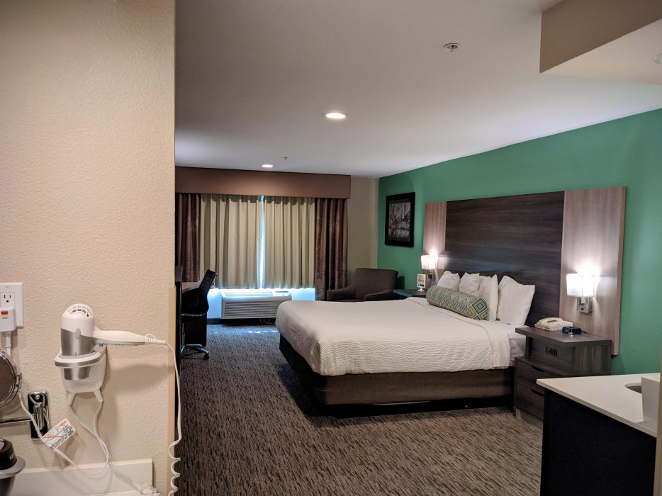 Yosemite Southgate - King Accessible Room with Accessibility Features