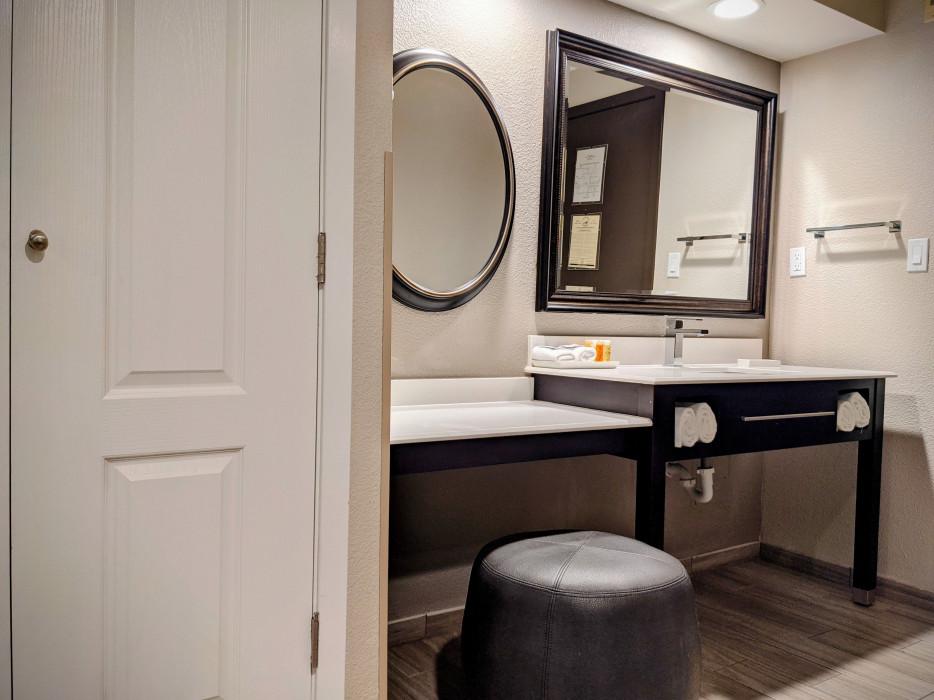Yosemite Southgate - Makeup Vanity in Every Guest Room