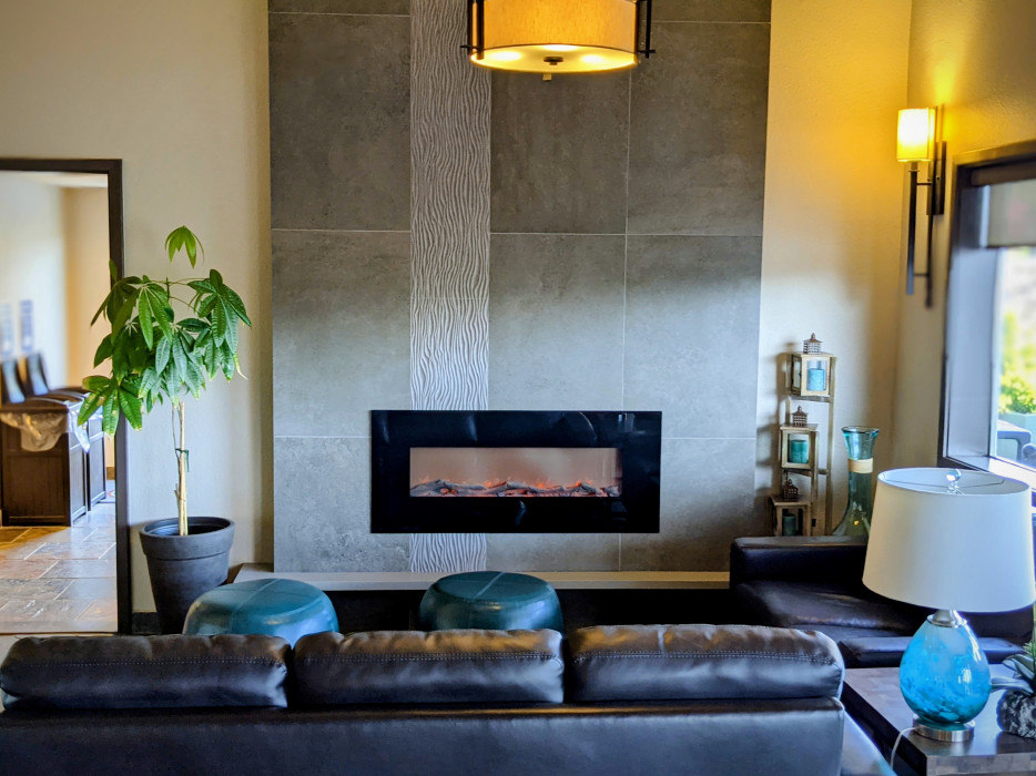 Yosemite Southgate - Relax in Our Lobby Seating Area