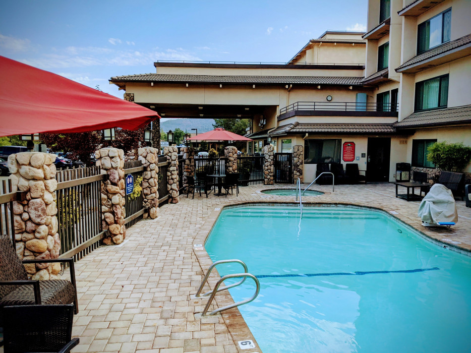 Yosemite Southgate - Take in The Sun on Our Sundeck