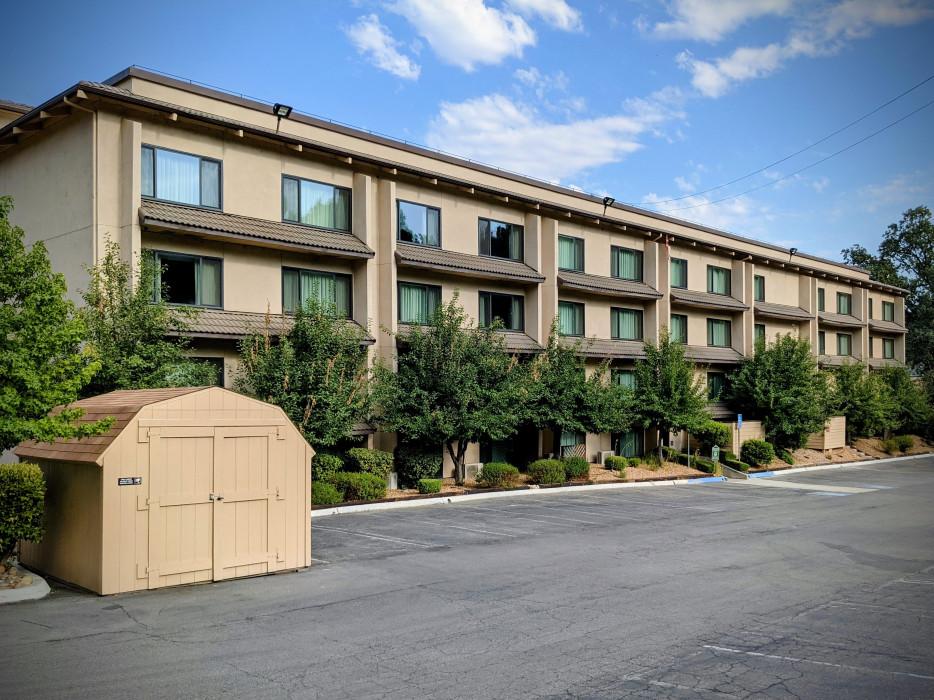 Yosemite Southgate - Yosemite Southgate Hotel Offers Ample Parking