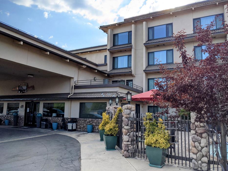 Yosemite Southgate - Yosemite Southgate Hotel Portico Area