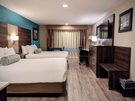 2 Queen Guestroom Can Accoomodate Up To 4 Adults