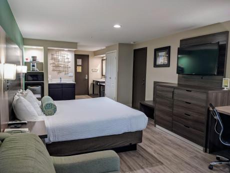 King Standard w Sofa Bed