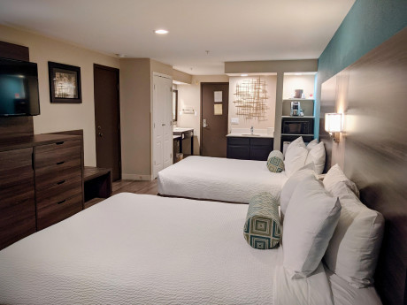 Spacious 2 Queen Bed Family Rooms